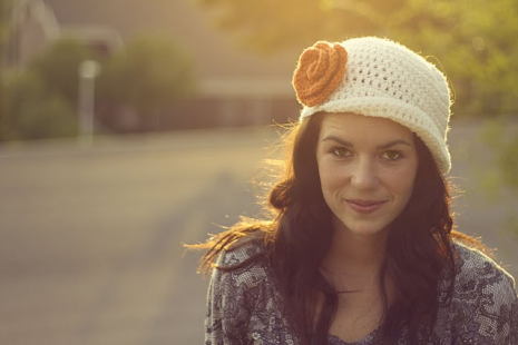 Crochet Flapper Hat with Flower - Sarahndipities