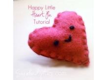 Happy Little Felt Heart Pin Tutorial