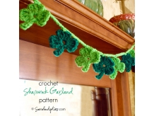 Crochet Shamrock Garland Pattern